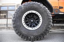 ラングラーアンリミテッドKMC Wheels XD229 Machete Beadlock Satin Black Wheel 17X9 5X5の単体画像