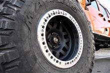 ラングラーアンリミテッドKMC Wheels XD229 Machete Beadlock Satin Black Wheel 17X9 5X5の全体画像