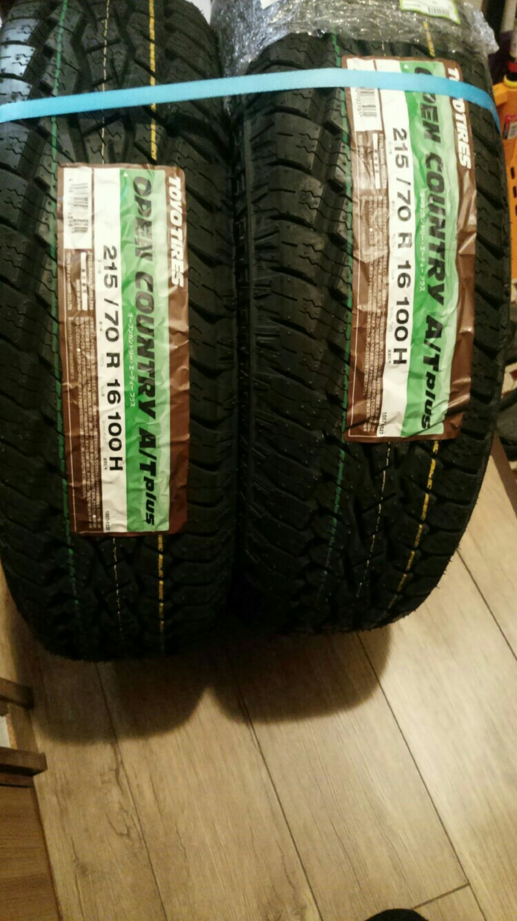 TOYO TIRES OPEN COUNTRY A/T plus ?215/70R16