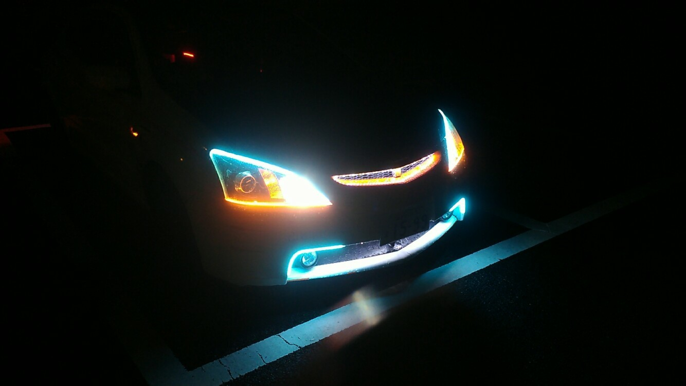 REIZ TRADING ■流れるウインカー シーケンシャル シリコン 45cm 2本 LED 45発 側面 簡単取付 流星仕様 12V■