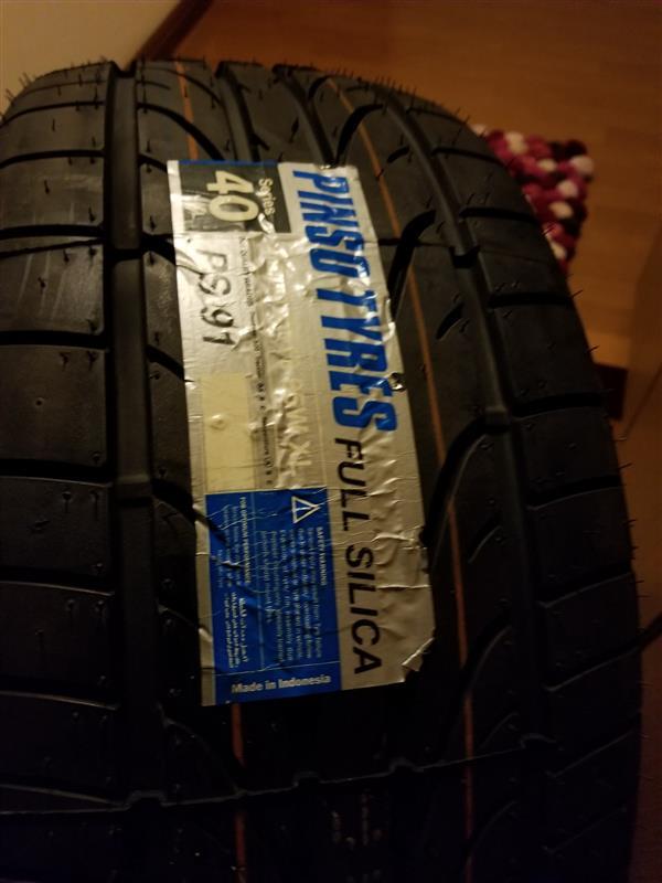 インドネシアタイヤメーカー Pinso Pinso Tyres PS-91 235/40R18
