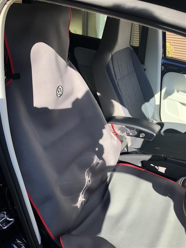 VW  / フォルクスワーゲン純正 シートエプロン