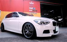 1シリーズ ハッチバックALBERT RICK BMW M2-Look ツインフィン グロスブラック フロントグリル の全体画像