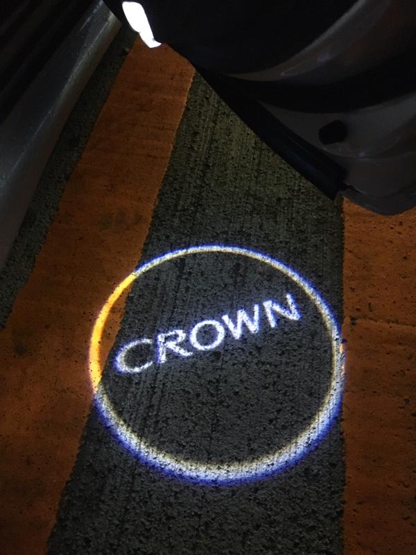 不明 LED カーテシーロゴランプ