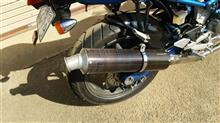 グース350チームアダチ カーボンスリップオンマフラーの単体画像