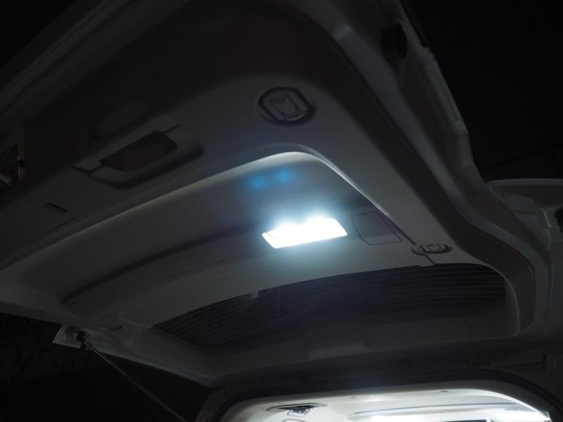 AQUA LEDバックドアランプ
