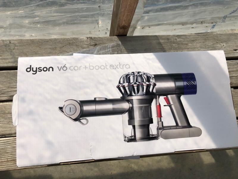 dyson v6 car + boat extra