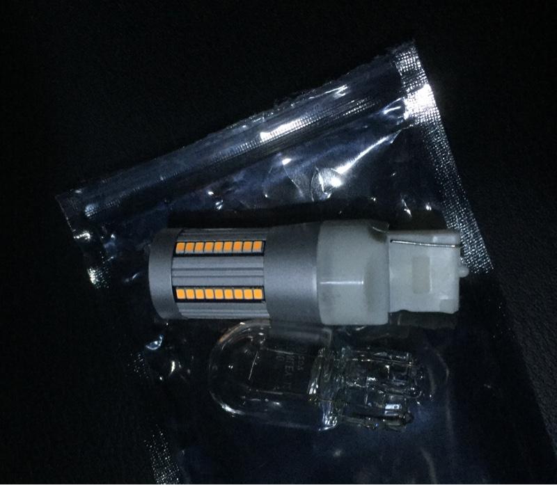 不明 ハイフラ防止LEDバルブ T20ピンチ部違い