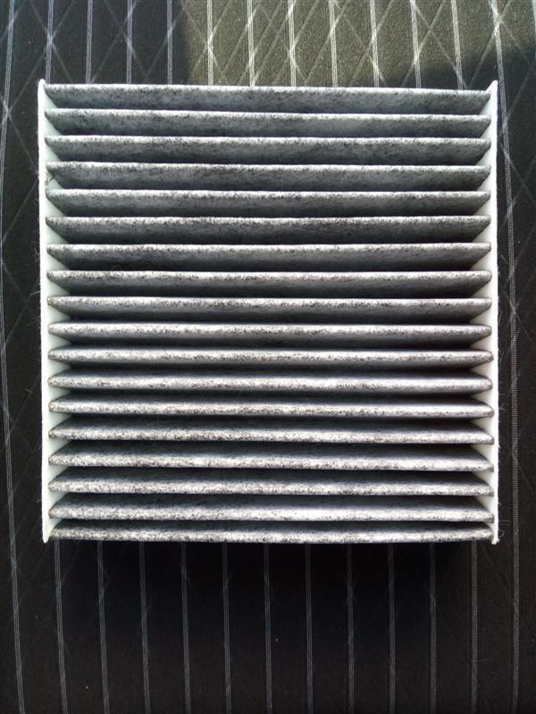 不明 活性炭入りエアコンフィルター