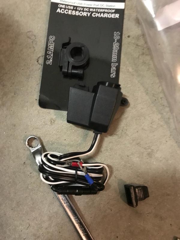 ノーブランド シガーソケットプラグ USBポート
