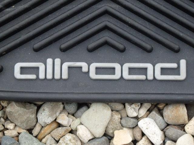 Audi純正(アウディ) 「allroad」ロゴ入りフロアマット