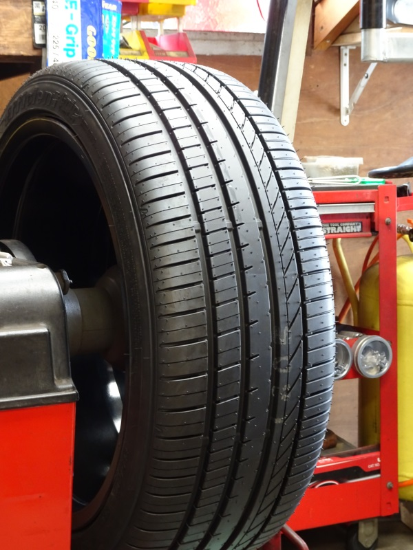 GOODYEAR EfficientGrip Comfort  225/40R18