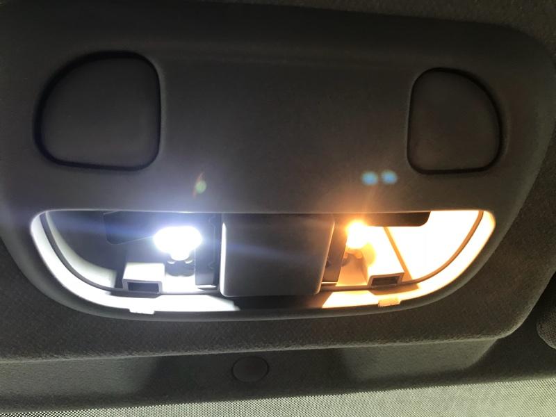 トータルカーショップAUVE 室内 LEDランプ