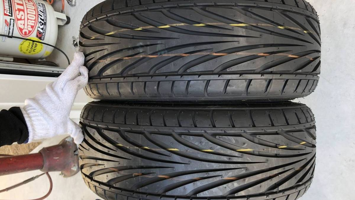 TOYO TIRES PROXES PROXES T1R 195/40R16