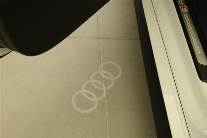 Audi純正(アウディ) Door Entrance LED Ver.2