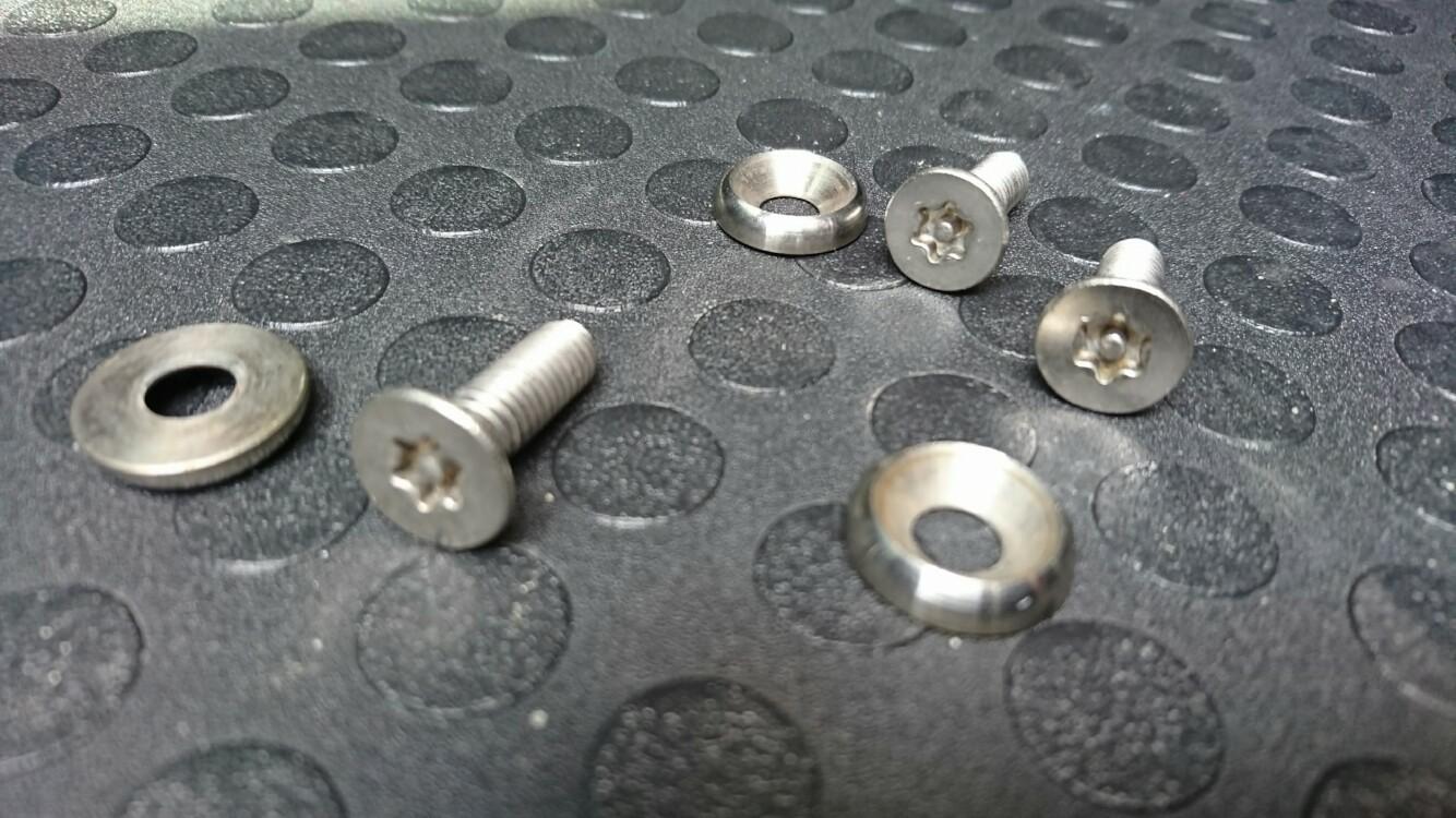 ネジのトミモリ ナンバープレート用ボルト