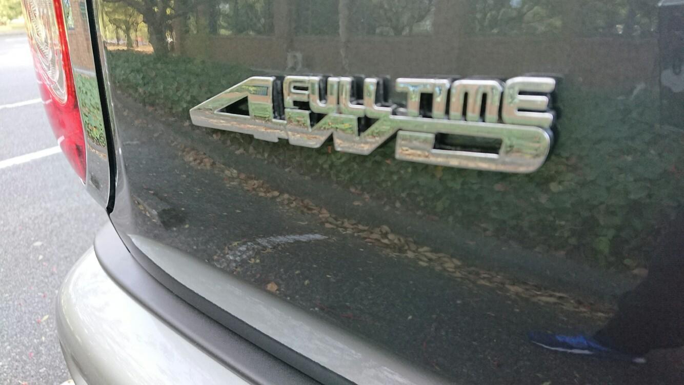 不明 4WD エンブレム