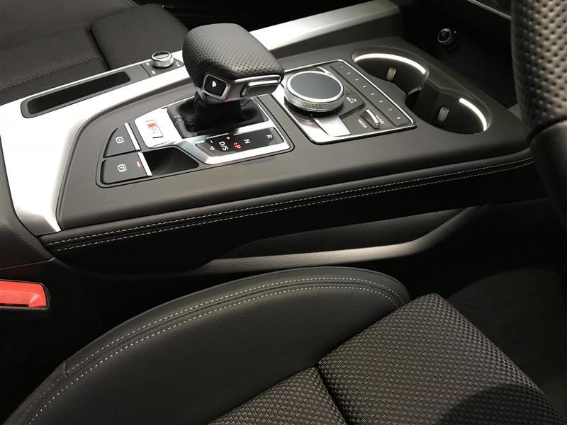 Audi純正(アウディ) センターコーソールトリム
