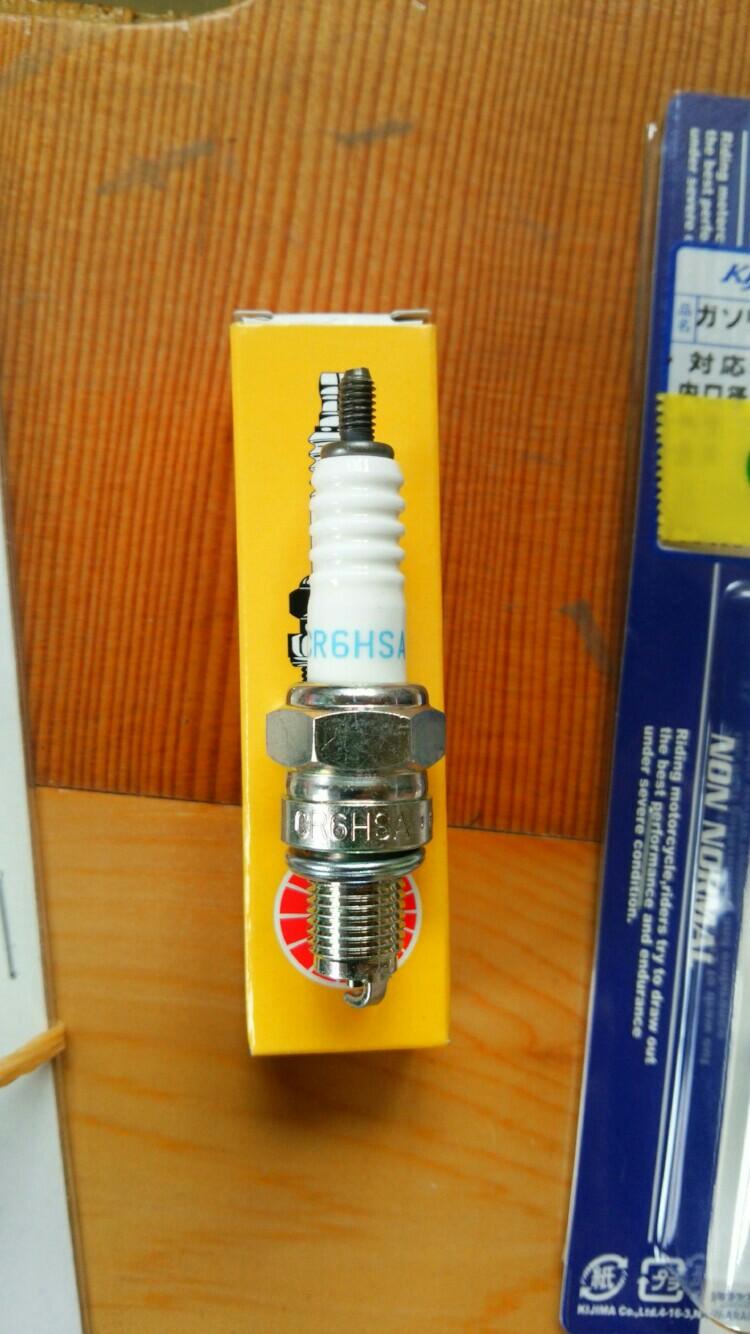 NGKスパークプラグ / 日本特殊陶業 CR6HSA