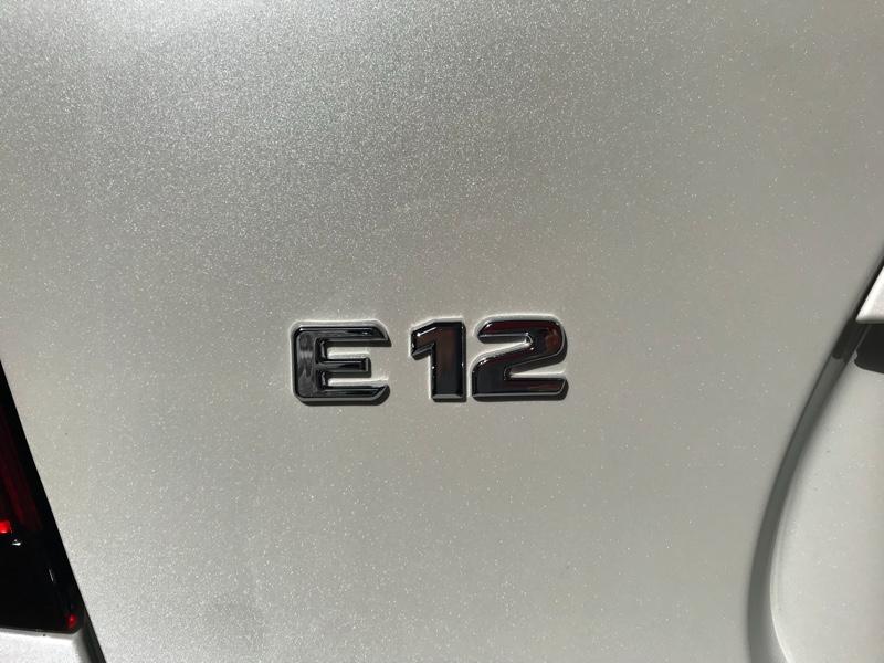 不明 E12エンブレム