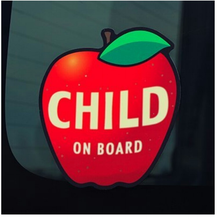 monkeybusiness CHILD ON BOARD  りんご