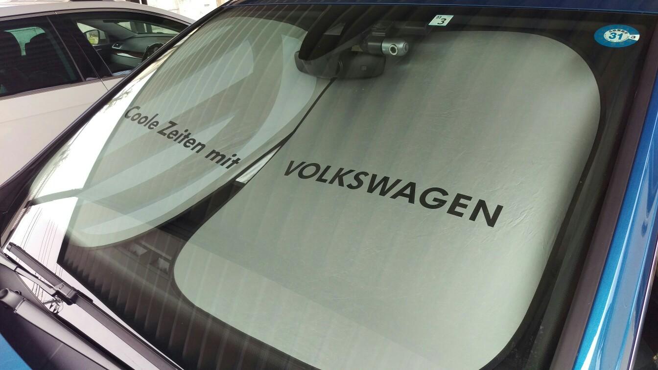 VW  / フォルクスワーゲン純正 フロントサンシェード(M)