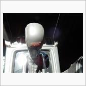 STI 本革巻きセレクトレバー(AT車:STIロゴ入り)