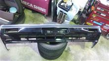 セドリックワゴン日産(純正) 後期3000用フロントバンパーの単体画像