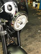 XSR900ヤマハ ヘッドライトリムの単体画像