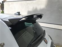 アバルト・500 (ハッチバック)THREE HUNDRED カーボンリアウイングの全体画像
