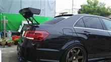Eクラス セダンSARD GT WING Fuji spec Mの単体画像