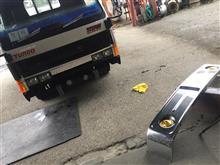 タイタン社外 オバQバスバンパーの全体画像