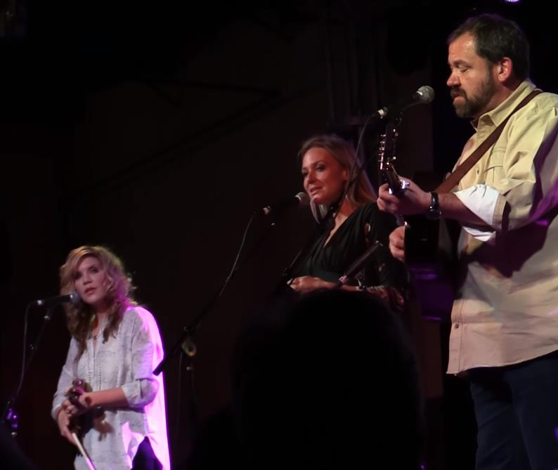Jewel, Alison Krauss,  Dan Tyminski singing in perfect harmony