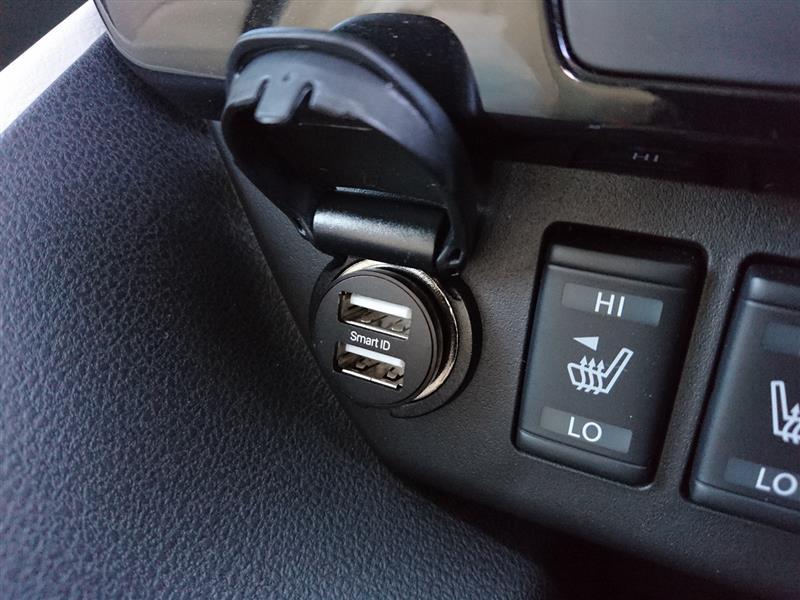 iClever USBカーチャージャー 2ポート 4.8A 24W