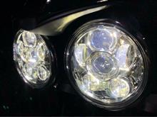 ストリートトリプルSILIVN LED プロジェクターヘッドライトの全体画像