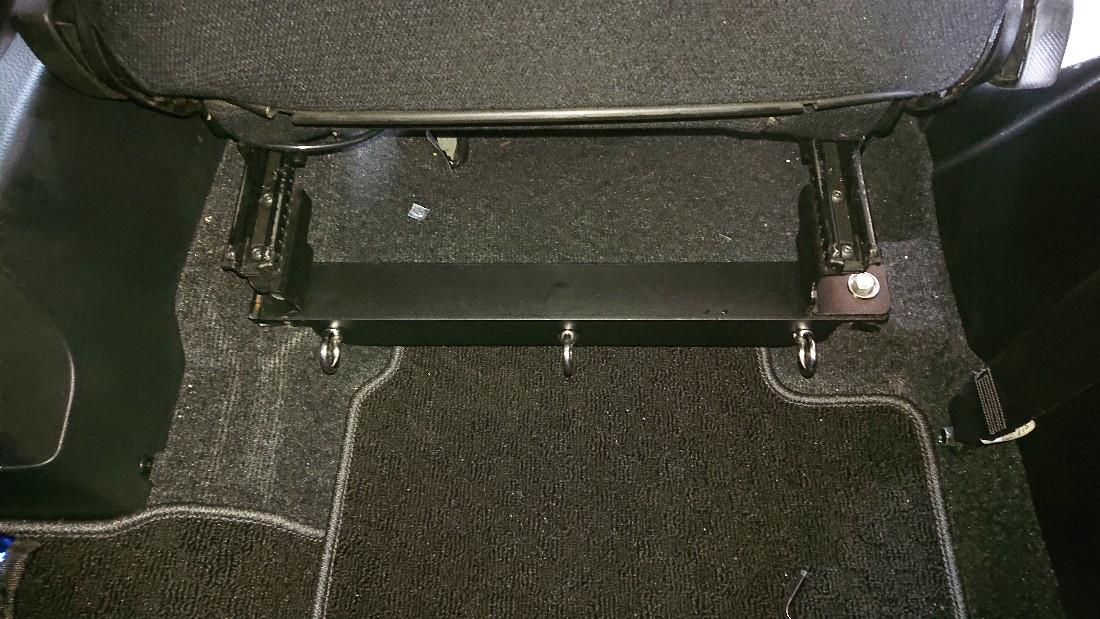 自作 シートベルトアンカー