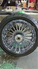 ストリートグライドハーレーダビッドソン(純正) ミラークロームホイール 後輪の単体画像