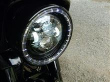 ストリートグライドクリアキン LED ヘッドライトトリムリングの単体画像