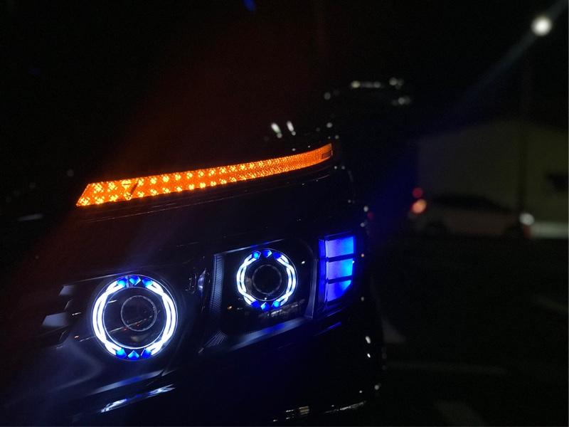 SFT SFT製ワンオフヘッドライト
