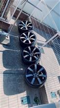 ディグニティ日産(純正) R35純正ホイールの単体画像