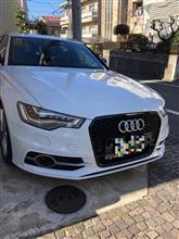 S6 アバント (ワゴン)Audi純正(アウディ) RS6グリルの単体画像
