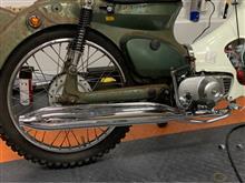 スーパーカブ50デラックスアウトスタンディングモーターサイクル 「B級品」スチールモナカマフラーの単体画像