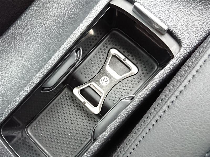 VW  / フォルクスワーゲン純正 ボトルオープナー(栓抜き)