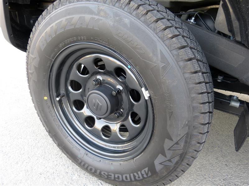 ジムニー シエラ 純正 ホイール 新型ジムニーシエラ(無改造、リフトアップ無し)のJB74のタイヤにつ...