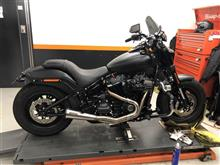FXFBS ファットボブVANCE&HINES STAINLESS 2-1 UPSWEEPの単体画像