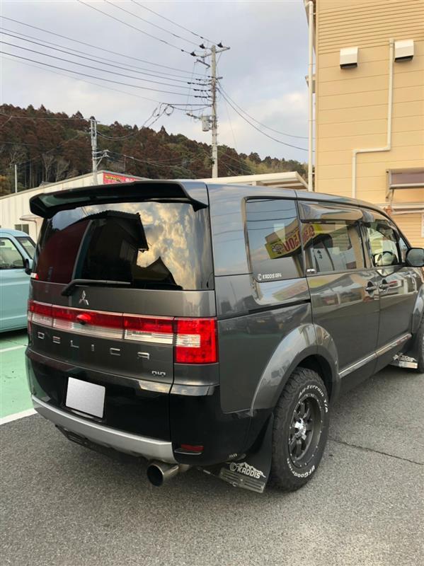 三菱自動車(純正) 新型デリカ テールゲートスポイラー