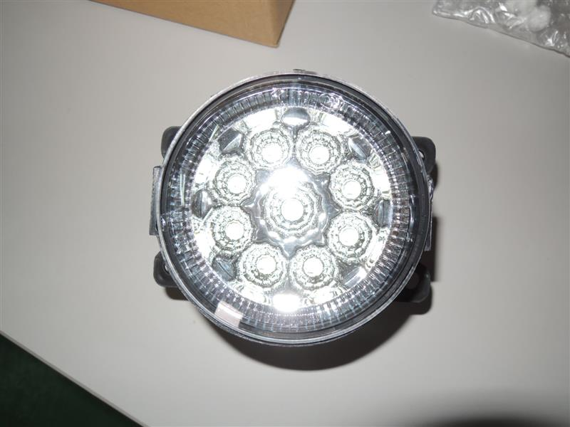 不明 LEDフォグランプ