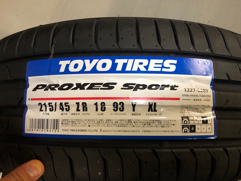 TOYO TIRES PROXES T1 Sport 215/45ZR18