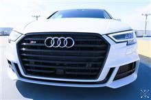 A3(セダン)Audi純正(アウディ) US純正 S3 グリルの単体画像