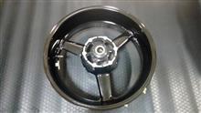 MT-01ヤマハ(純正) リアホイールの単体画像